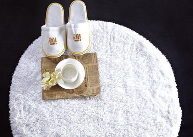 China Washable White Waffle Disposable Spa Slippers , Disposable Hotel Bathroom / Guest House Slippers  supplier