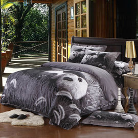China 3d HD Digital Printed 4 Piece Bedding Sets King Size / Queen Size Panda Design supplier