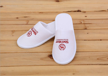 China Logo Printed White Color Disposable Hotel Slippers For Womens / Mens / Kids supplier